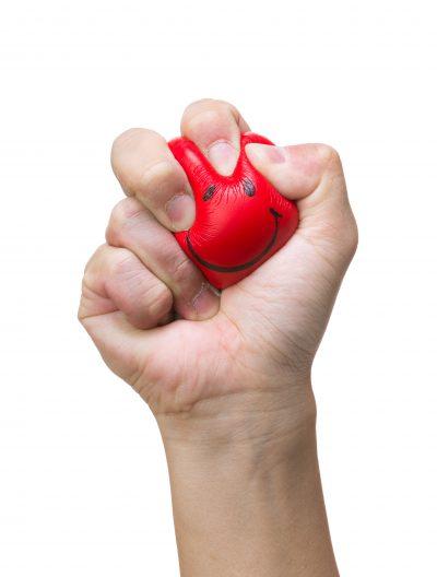 Abb. 1 Weshalb steht das Herz bei Patienten mit Schlafhypertonie nachts unter Druck? Und wie kann man dagegen naturheilkundlich vor-gehen? Foto: © Adobe Stock / leung-chopan